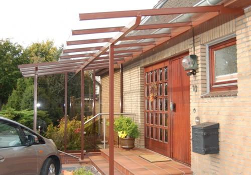 Individuelles Vordach Mit Geschlossenen Seitenwänden